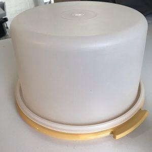 Tupperware Cake Keeper